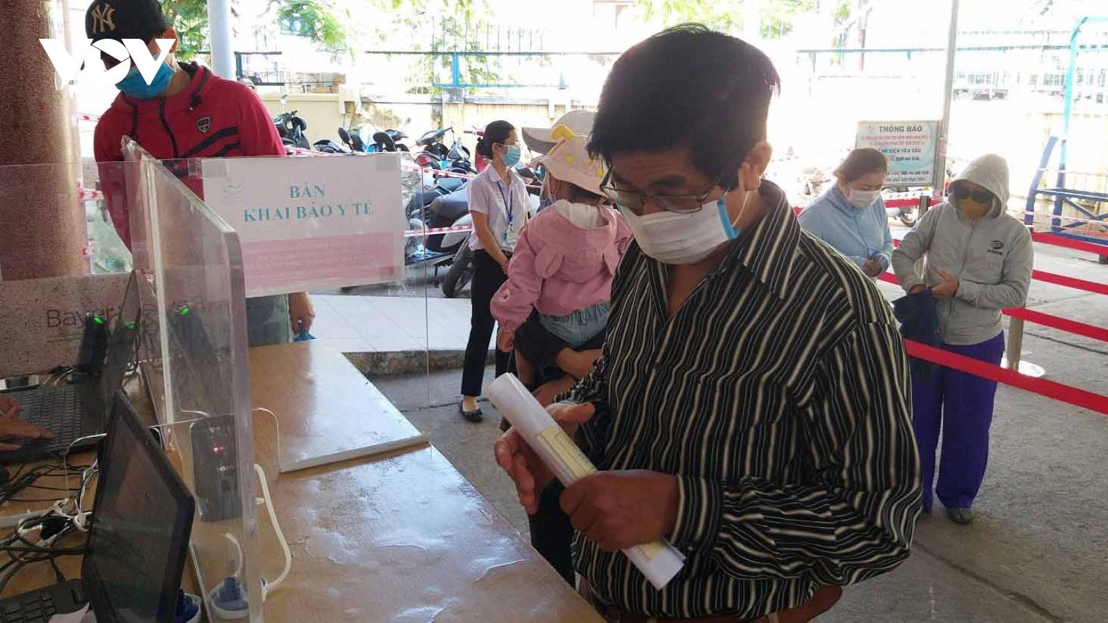 Khánh Hòa phạt 74 trường hợp khôngđeo khẩu trang nơi công cộng