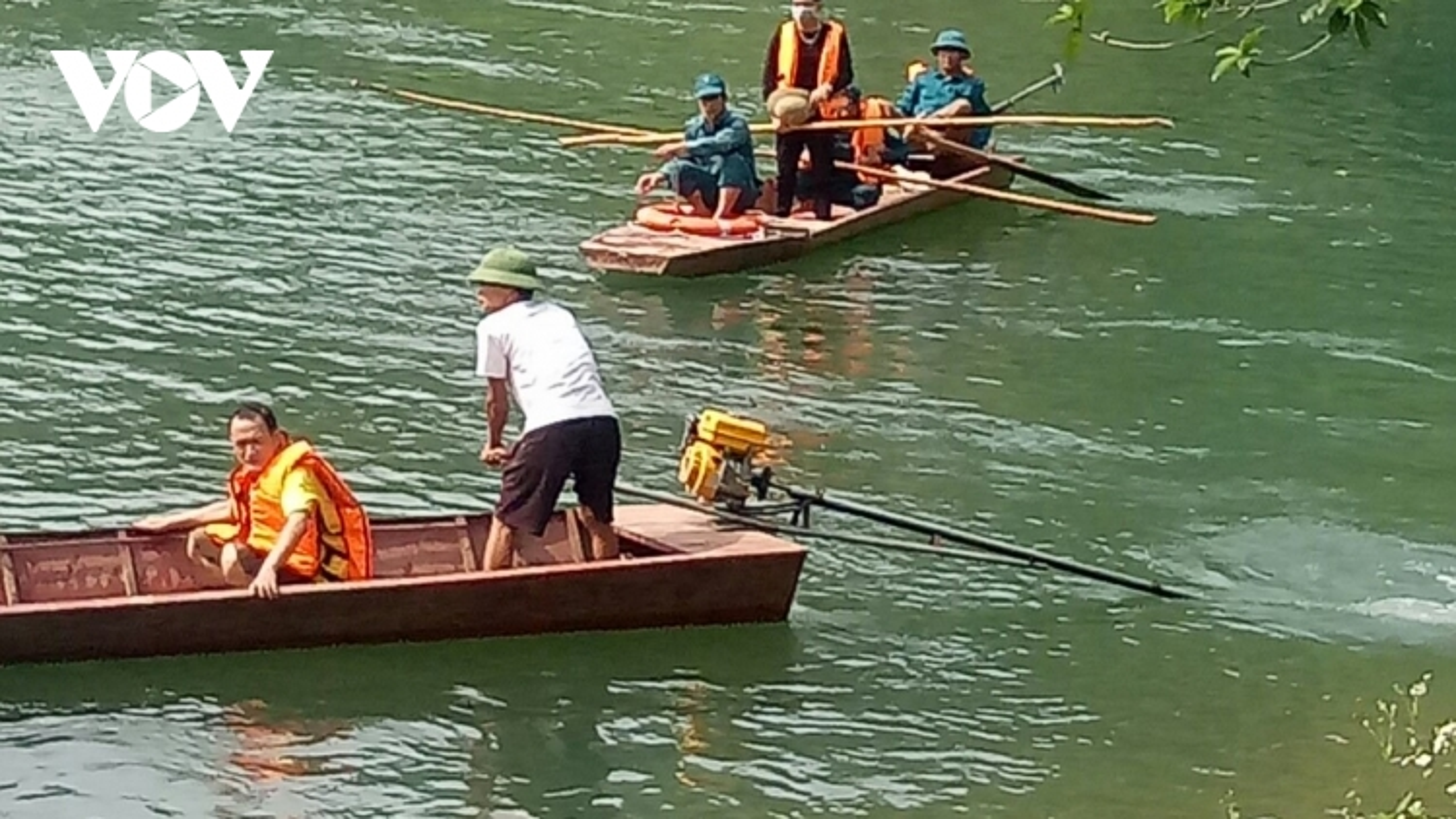 Lật thuyền trên sông Chảy khiến 1 người tử vong