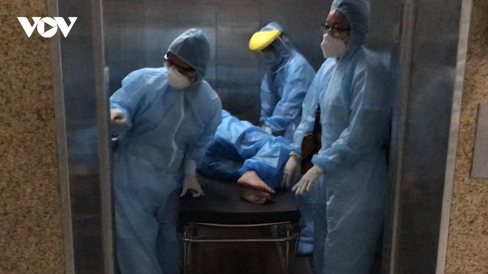 Mổ cấp cứu thành công sản phụ chuyển dạ trong khu cách ly tại Đà Nẵng