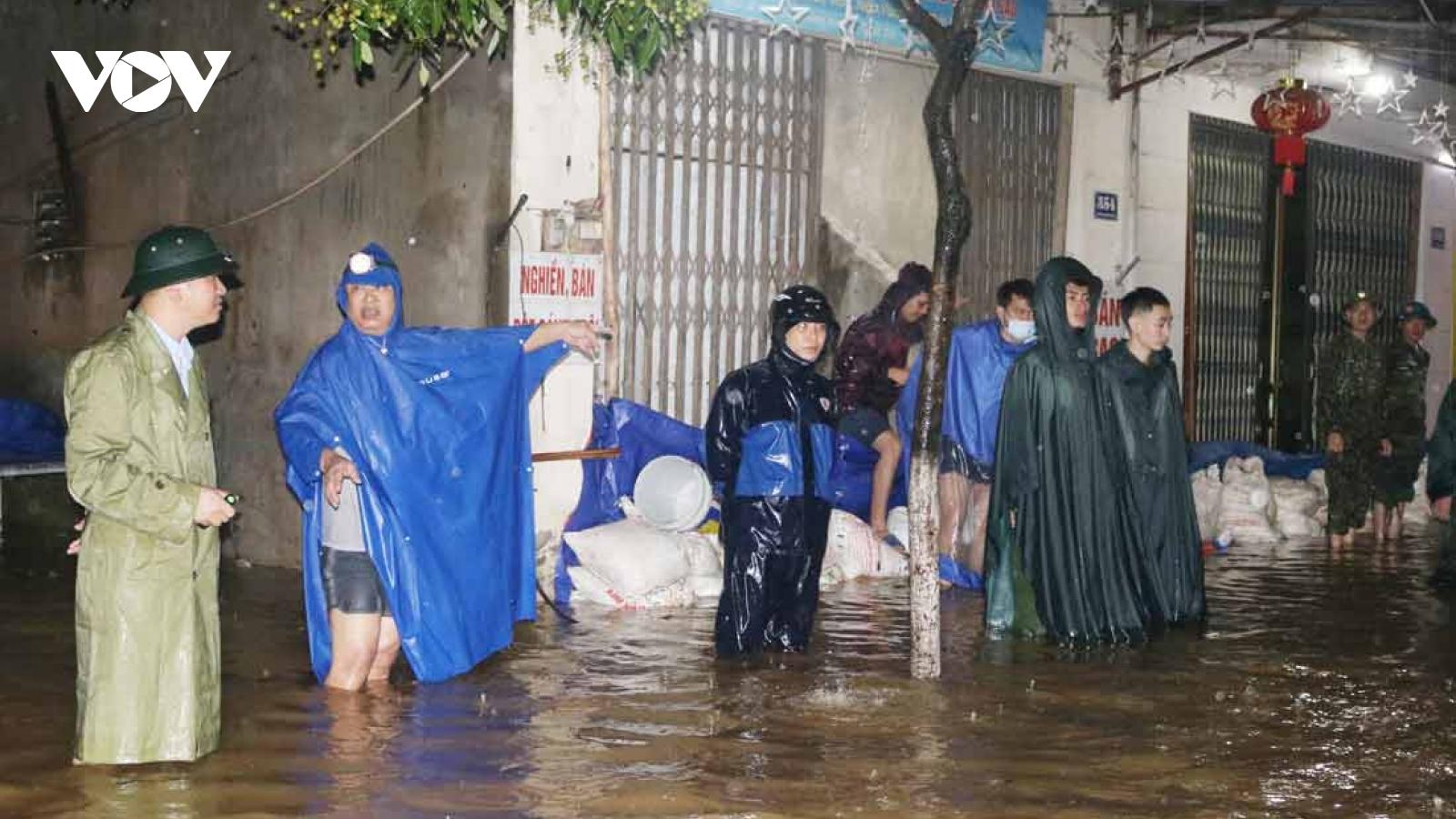 Mưa lớn gần 200mm gây ngập lụt ở Bát Xát (Lào Cai)
