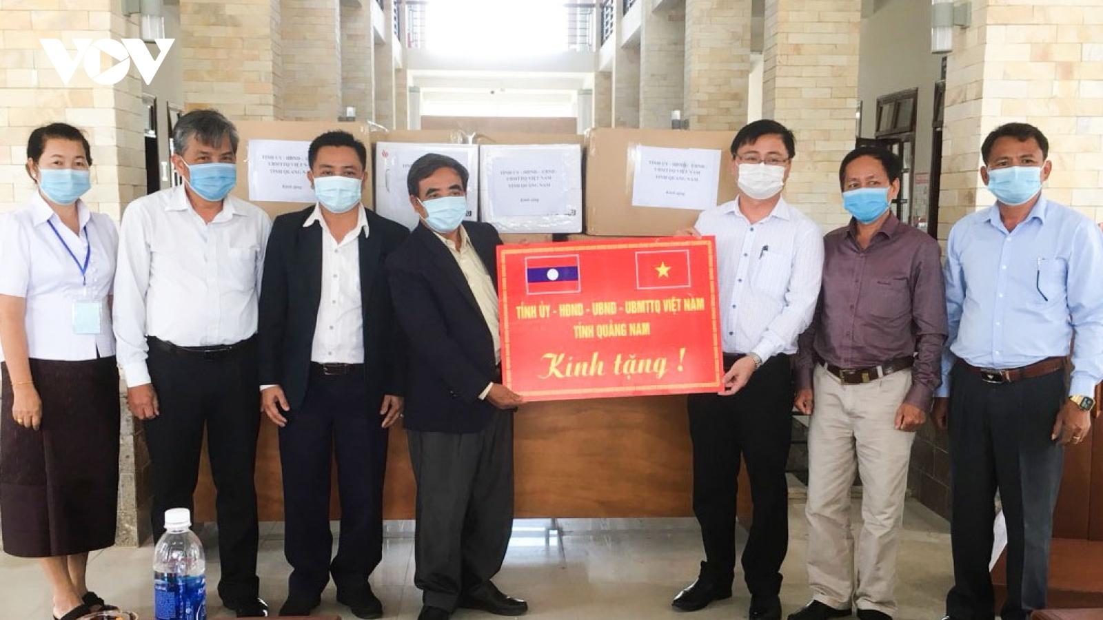 Quảng Nam hỗ trợ trang thiết bị phòng chống dịch Covid-19 cho tỉnh Sê Kông (Lào)