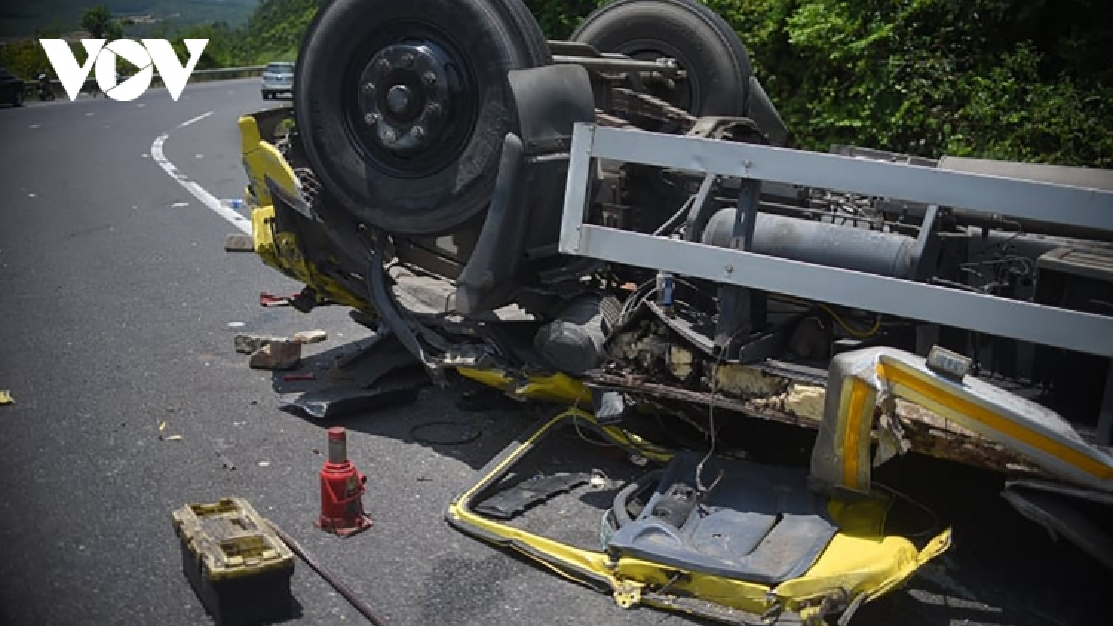 Tai nạn giao thông trên đèo Cù Mông làm 2 người tử vong