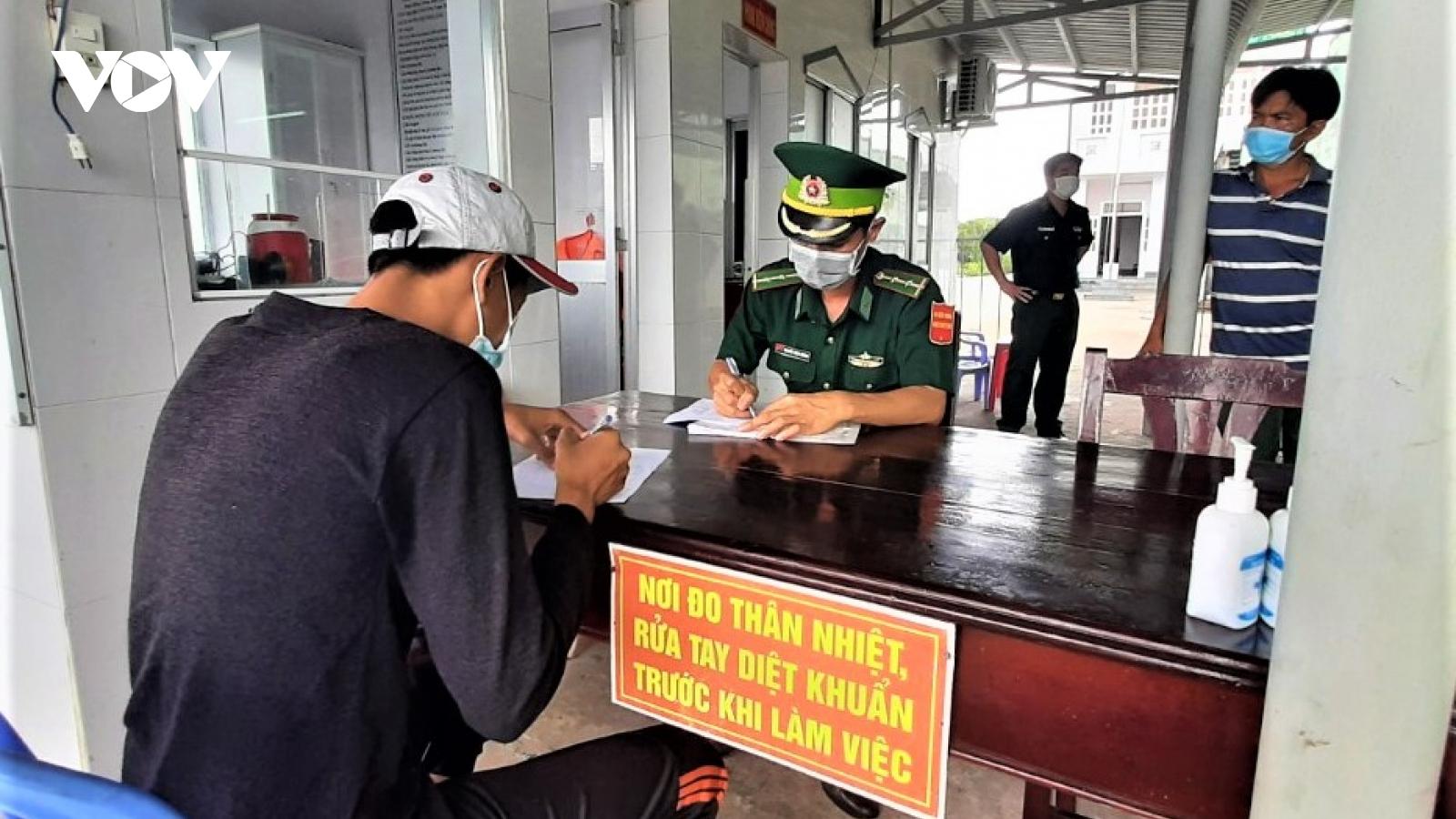 Nhập cảnh trái phép từ Malaysia vào Cà Mau bằng tàu cá