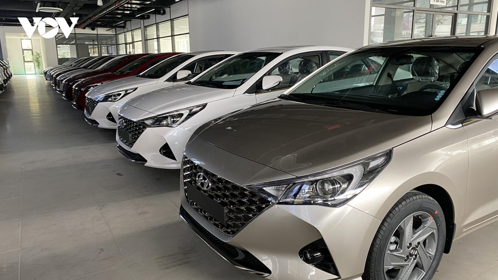 Bộ Tài chính bác đề nghị giảm 50% lệ phí trước bạ ô tô của VAMA