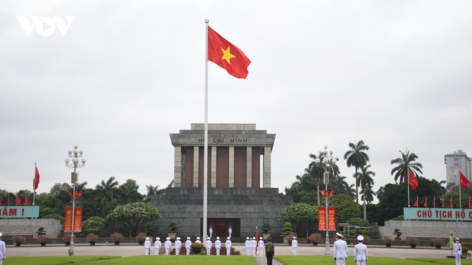 Lễ thượng cờ tại quảng trường Ba Đình và 5 triệu cử tri Hà Nội thực hiện quyền công dân