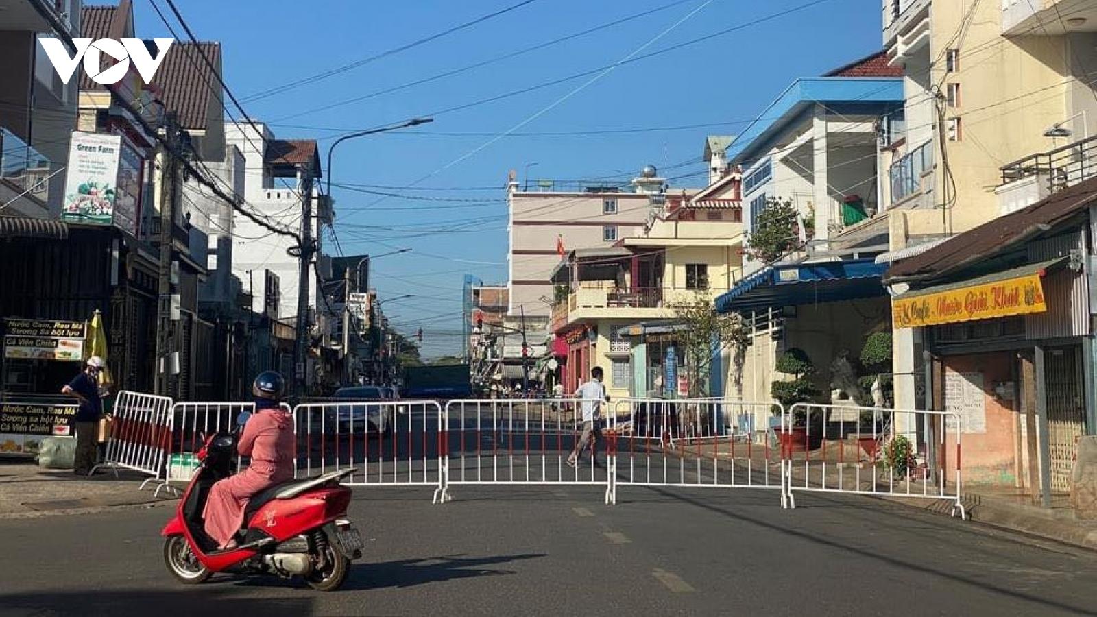 Phong toả đoạn phố liên quan đến nữ bệnh nhân Covid-19 ở Đồng Nai