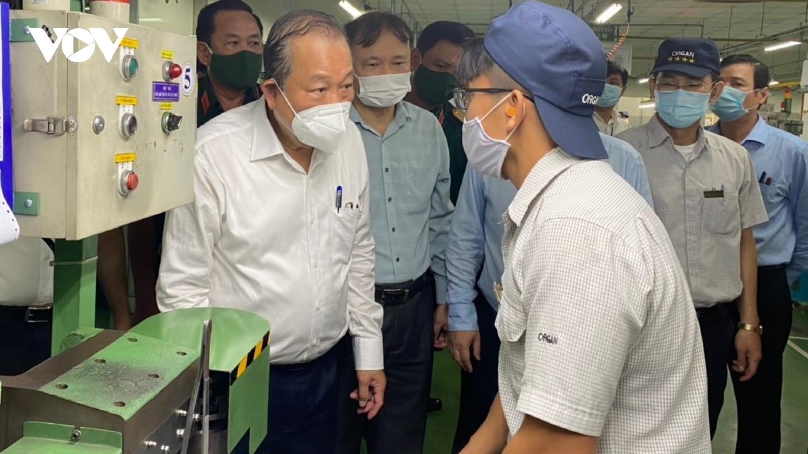 Phó Thủ tướng Trương Hòa Bình: TP HCM cần đi trước, đẩy mạnh tiêm vaccine Covid-19