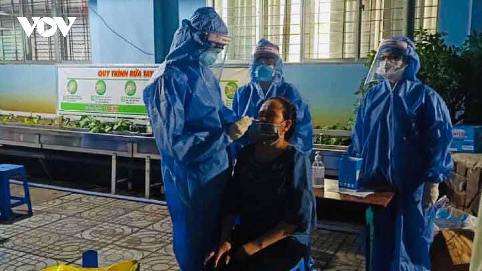 TP HCM ghi nhận thêm 10 ca nghi nhiễm mới, có 3 hội viên Hội thánh truyền giáo Phục Hưng