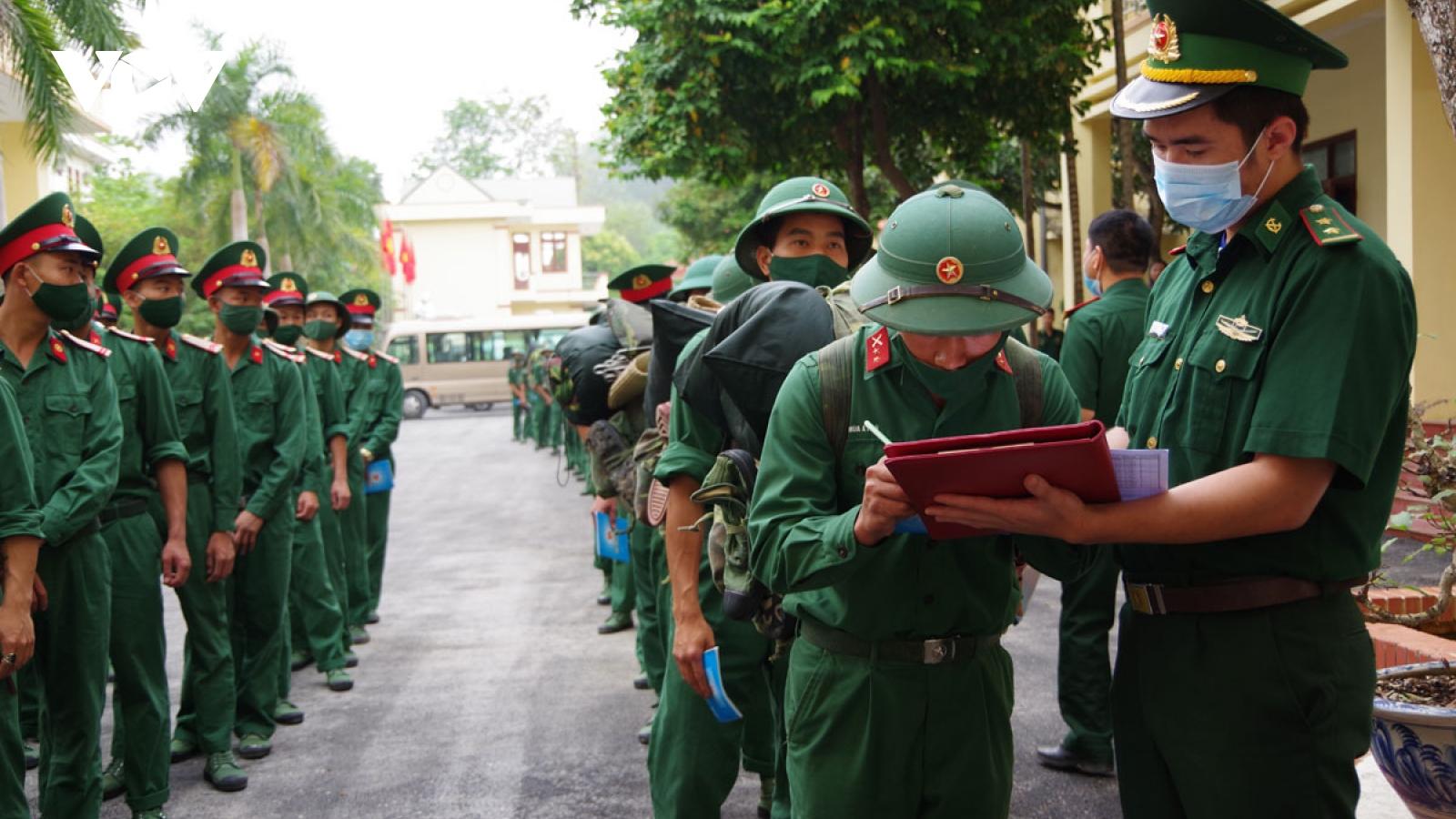 Điện Biên: Tăng cường 90 cán bộ, chiến sĩ lên các chốt tuyến biên giới chống dịch