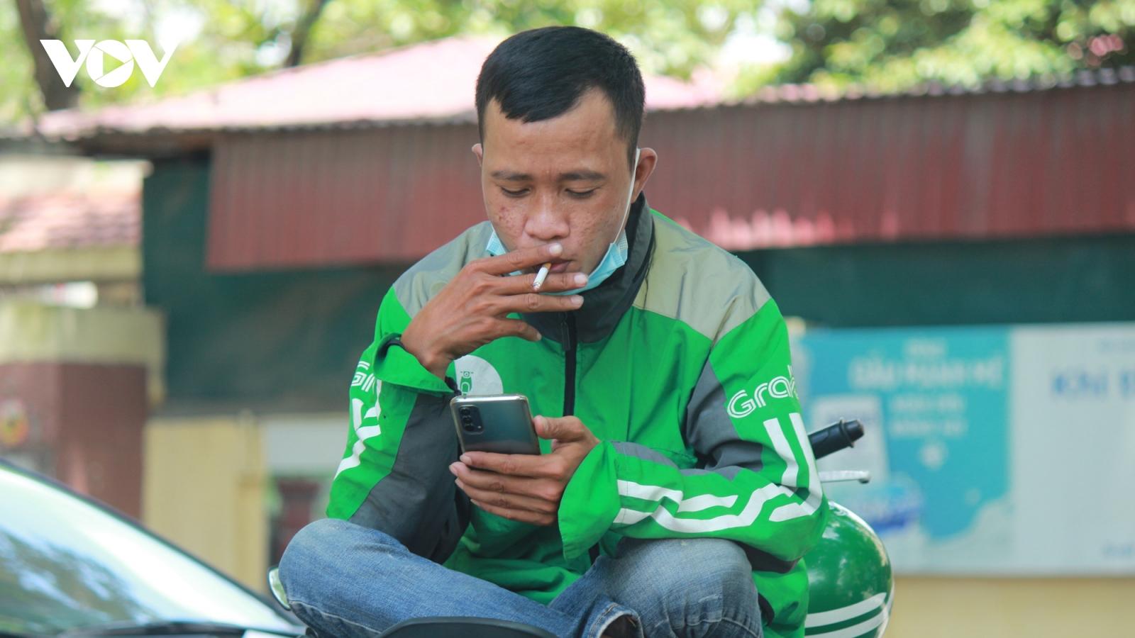 Thuốc lá độc hại nhưng vẫn là thói quen khó bỏ của nhiều người