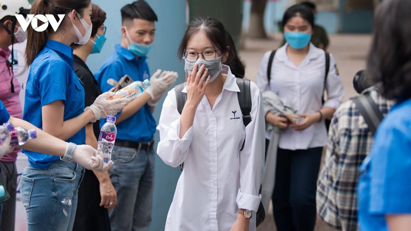 Thêm trường THPT tại Hà Nội hoãn thi vào lớp 10