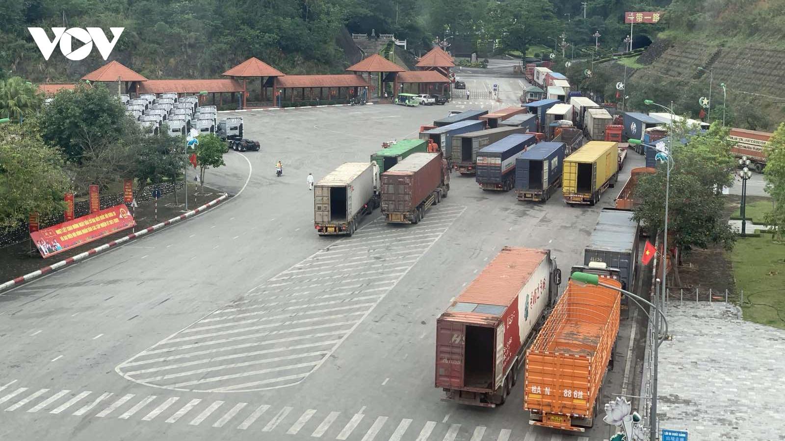 Mục tiêu kép giúp xuất - nhập khẩu tại các cửa khẩu phía Bắc ổn định và sôi động