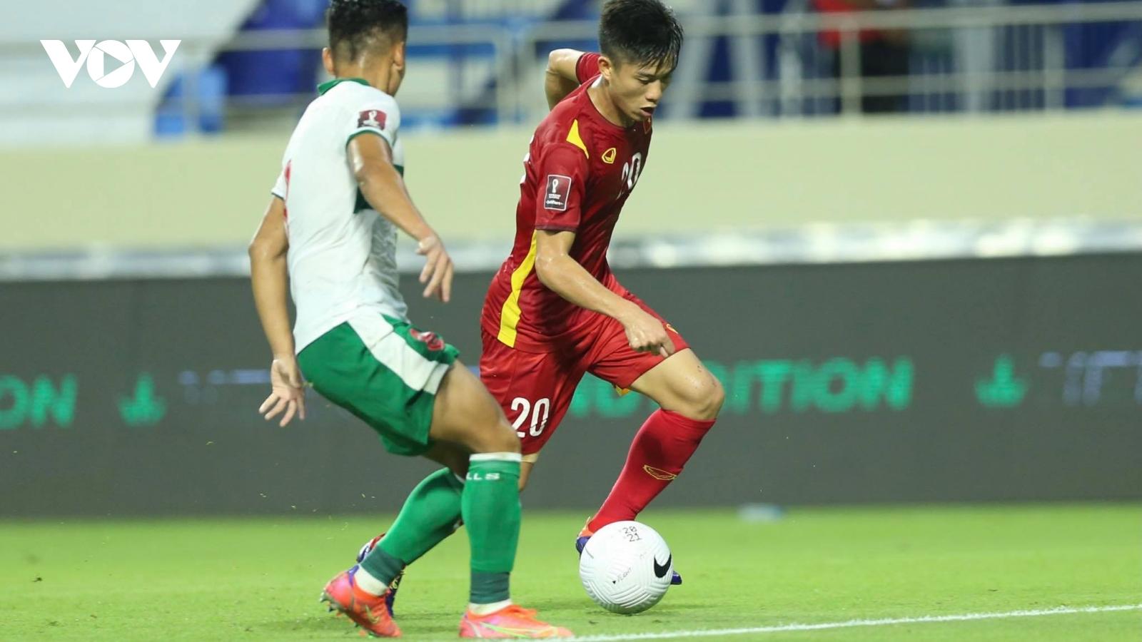 """Cục diện bảng G: Thái Lan khóc hận, Việt Nam đua """"song mã"""" với UAE"""