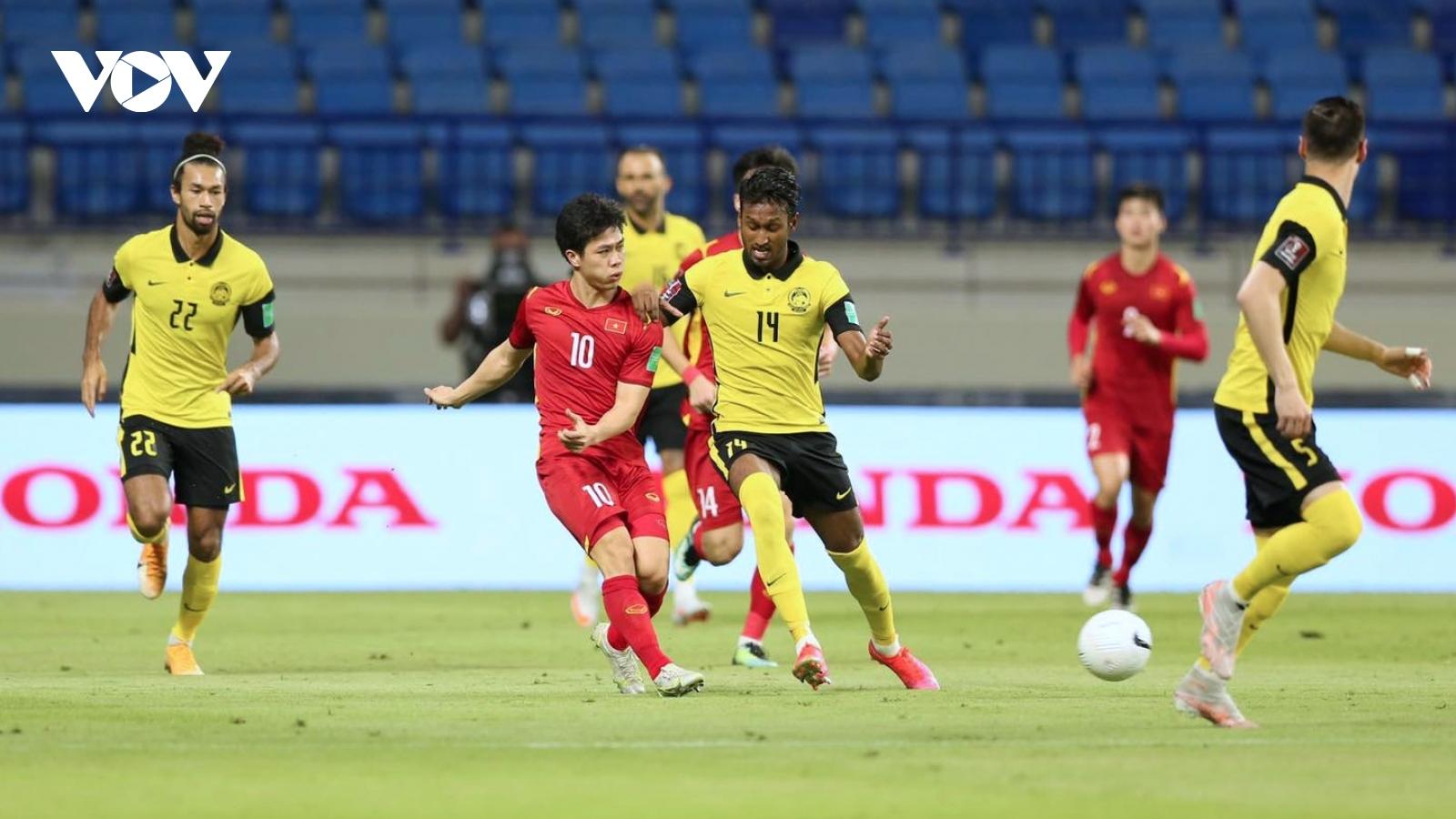 """Cười """"nghiêng ngả"""" với loạt ảnh chế trận ĐT Việt Nam thắng Malaysia"""