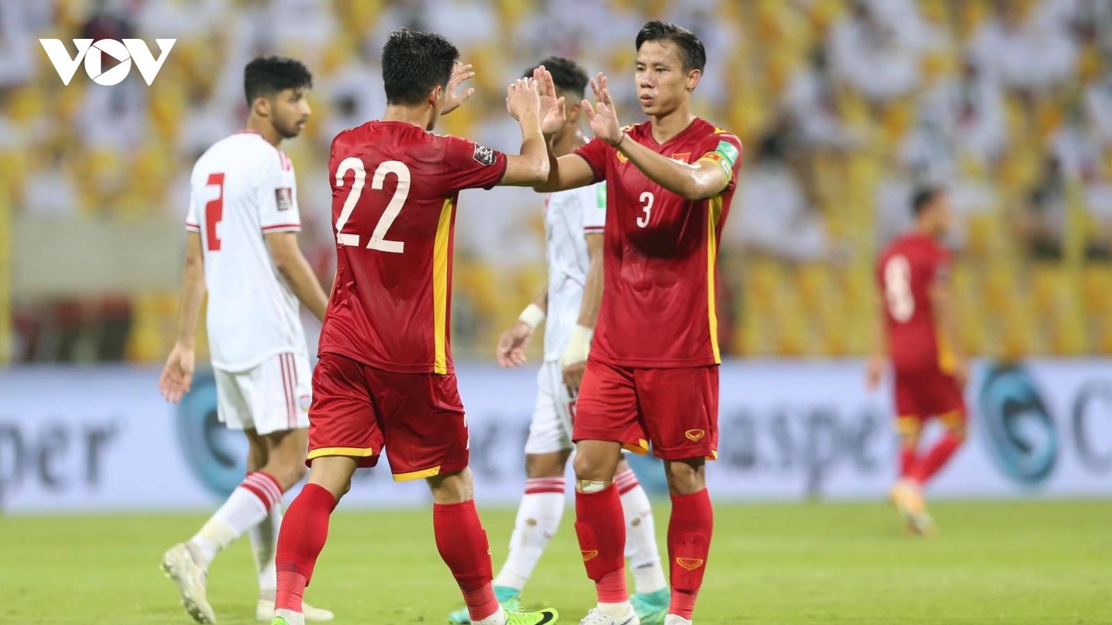 Bảng xếp hạng 12 đội dự vòng loại thứ 3 World Cup 2022: ĐT Việt Nam bất gặp lợi
