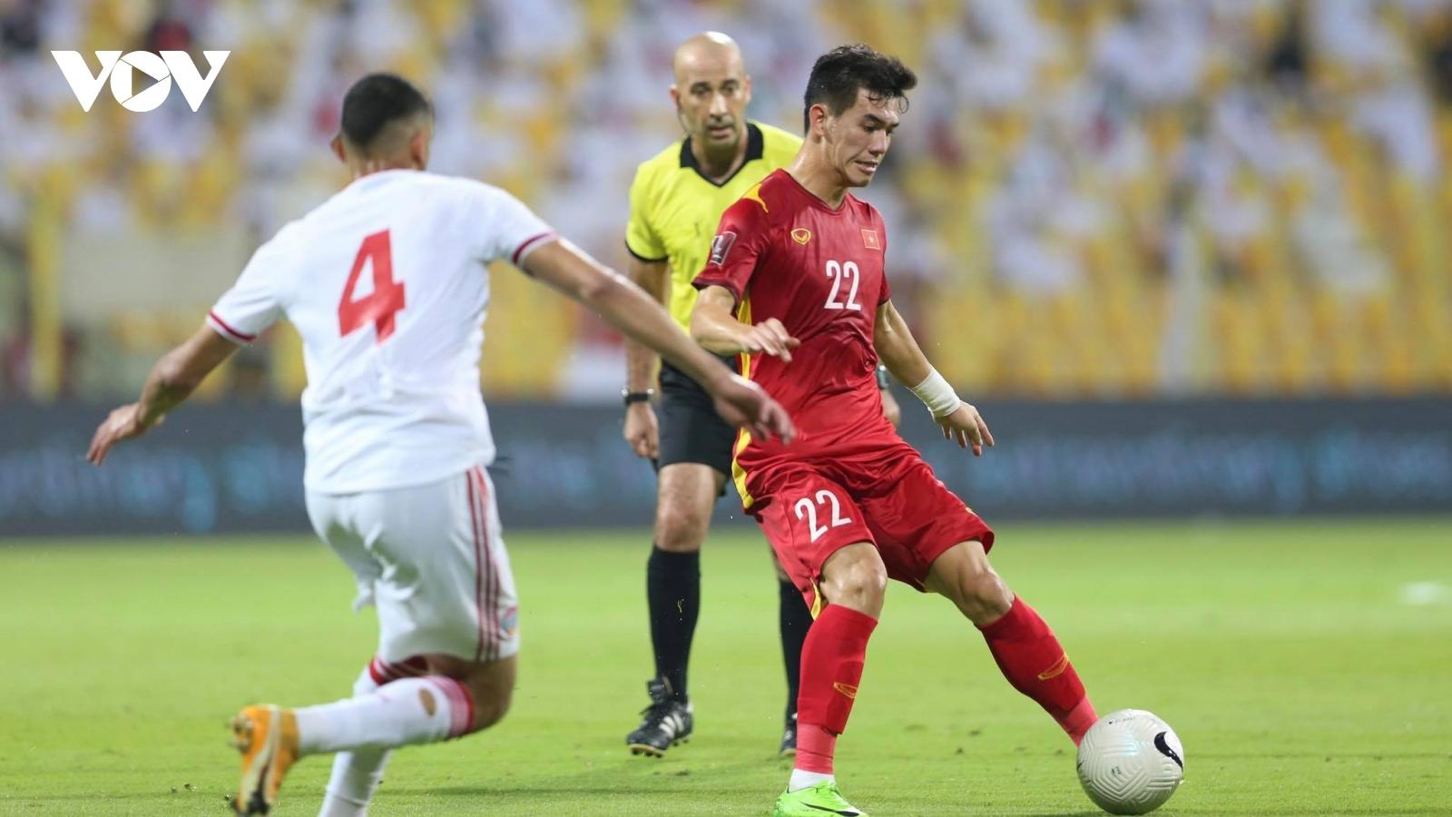 Toàn cảnh màn rượt đuổi tỷ số giữa ĐT Việt Nam và UAE trên sân Zabeel