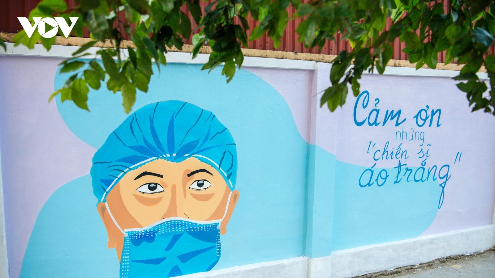 Độc đáo góc phố bích hoạ tuyên truyền phòng chống dịch Covid-19 tại Hà Nội