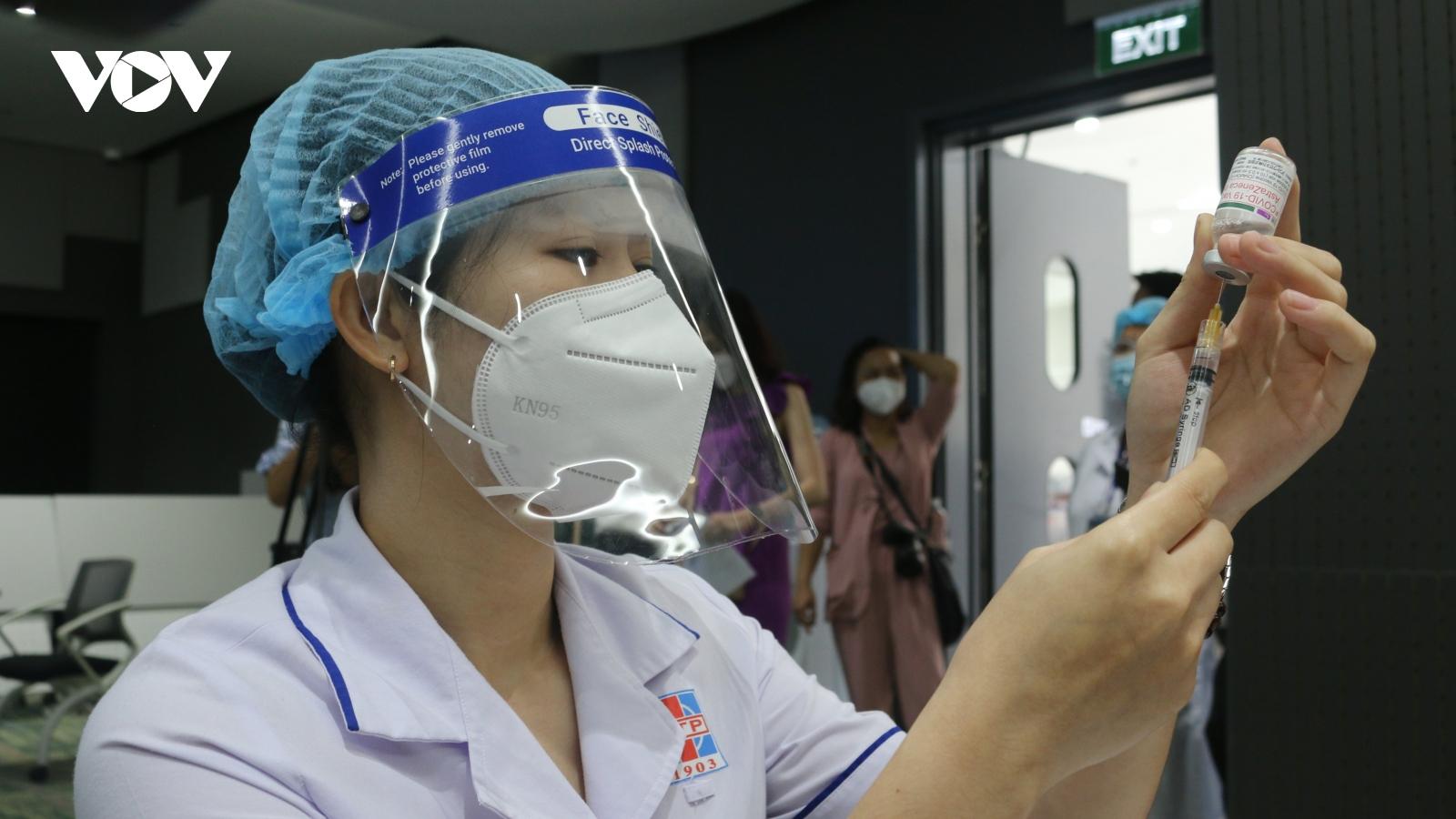 TP.HCM bắt đầu chiến dịch tiêm 786.000 liều vaccine Covid-19 lớn nhất từ trước đến nay