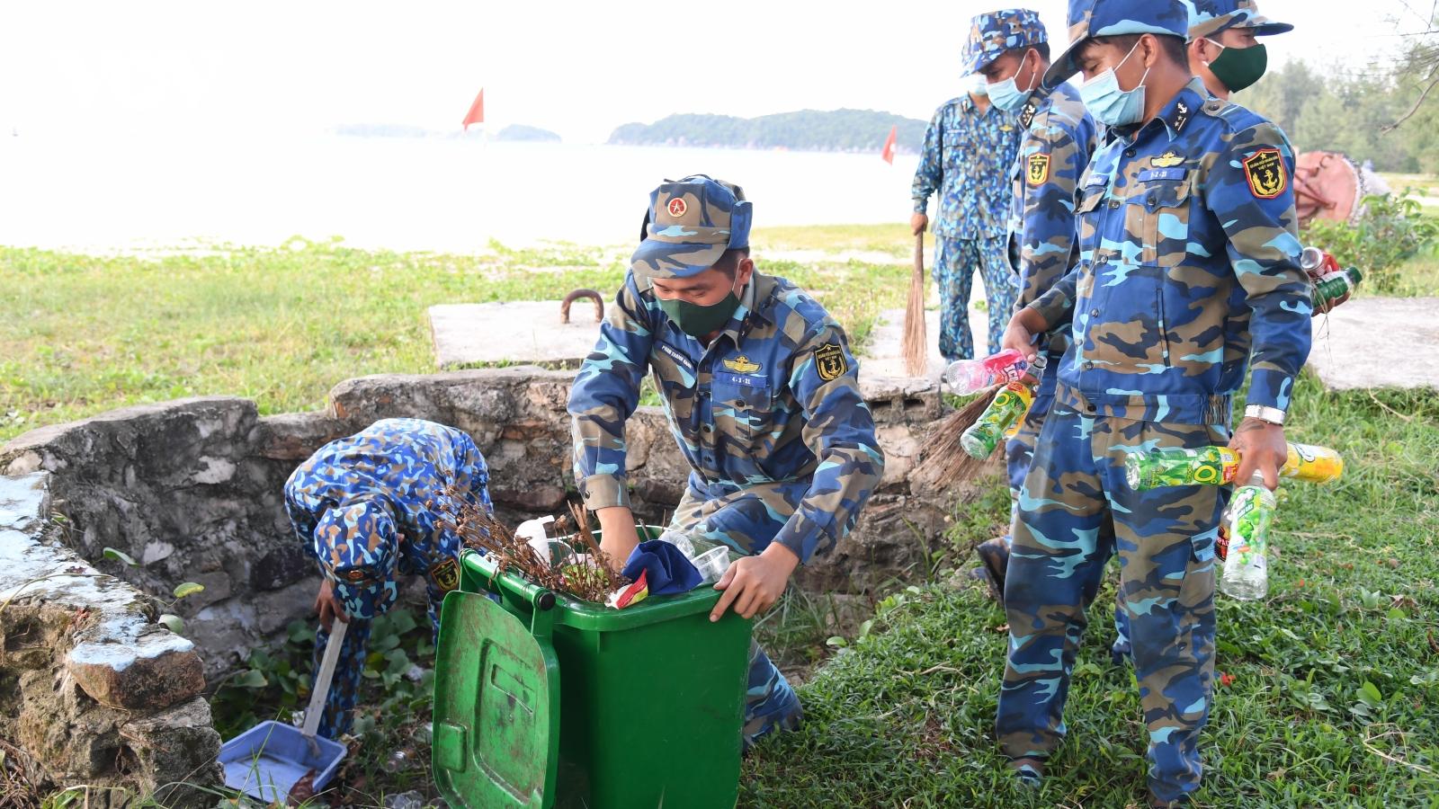 Vùng 5 Hải quân gìn giữ màu xanh của biển