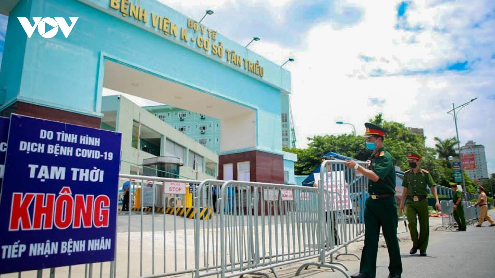 Hình ảnh dỡ bỏ phong tỏa bệnh viện K cơ sở Tân Triều