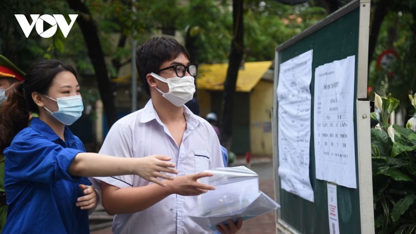 Hà Nội công bố điểm chuẩn lớp 10 THPT chuyên năm 2021