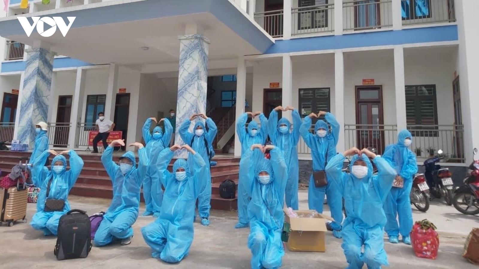 Lạng Sơn đón hơn 1.000 lao động từ Bắc Giang trở về