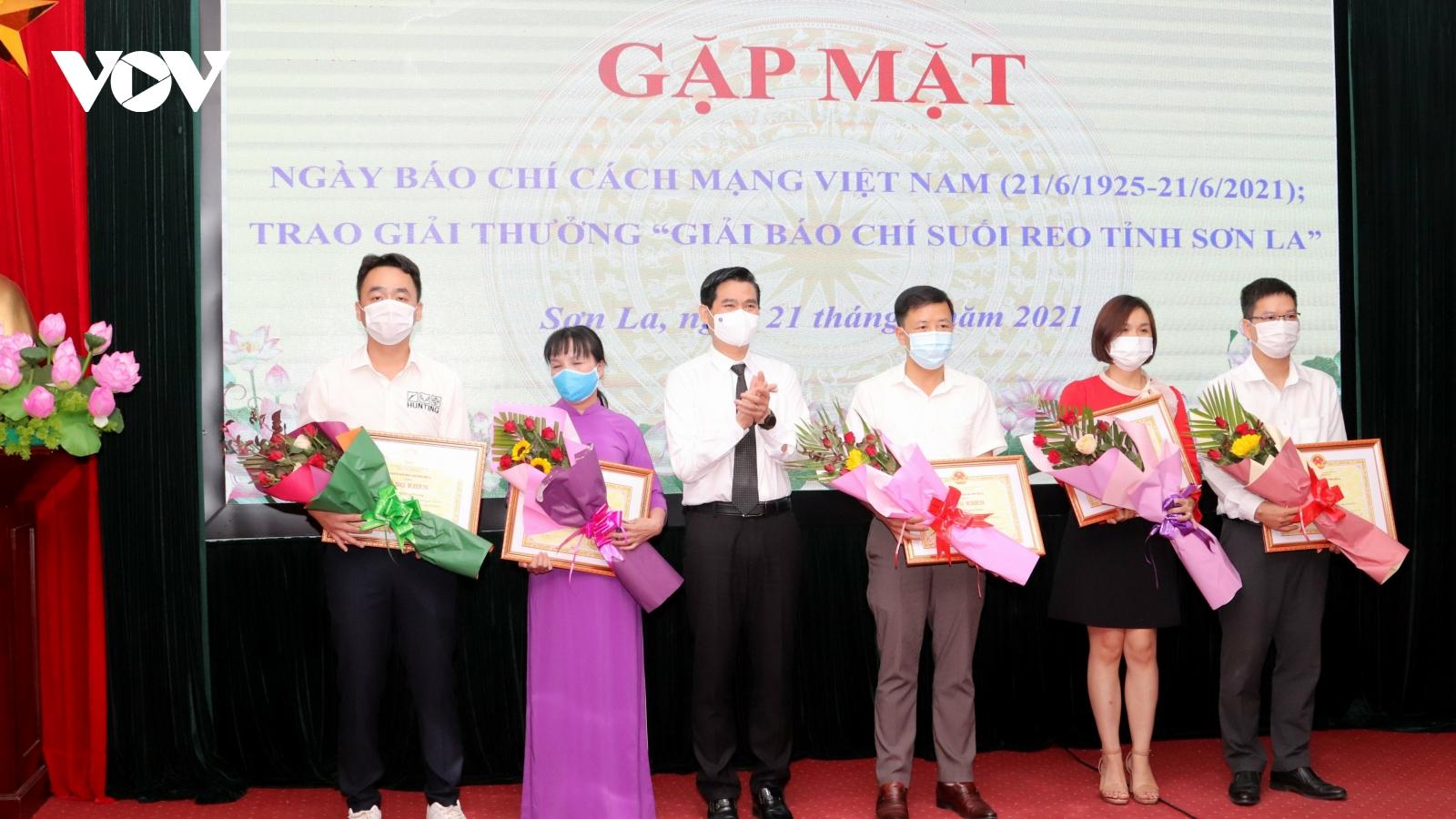 """VOV Tây Bắc đạt 12 giải thưởng """"Giải báo chí Suối Reo tỉnh Sơn La"""""""