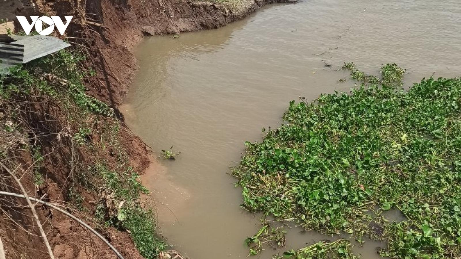 An Giang công bố tình huống khẩn cấp sạt lở bờ Đông sông Châu Đốc