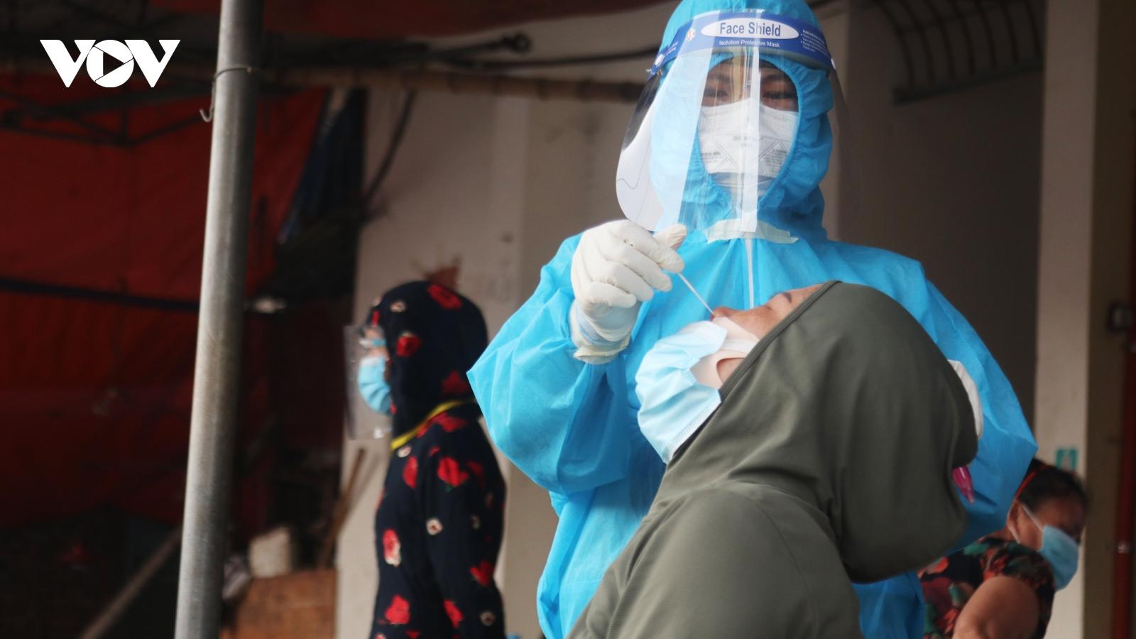 Nghệ An ghi nhận 6 ca dương tính với SARS-CoV-2, có 3 người trong 1 gia đình
