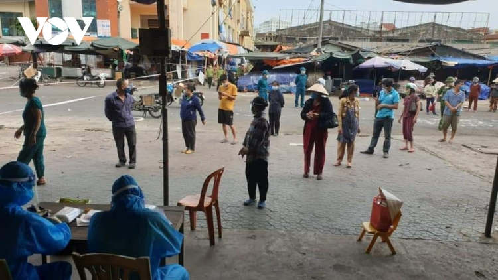 Thêm 5 ca mắc Covid-19 ở Nghệ An liên quan đến chợ đầu mối TP Vinh