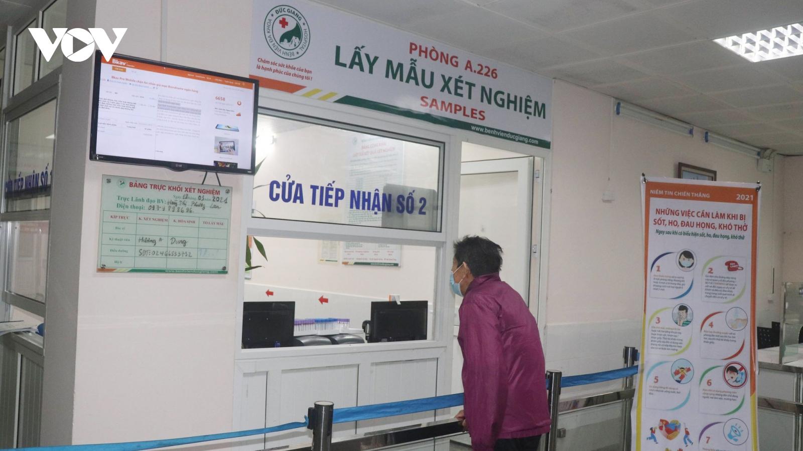 1 nhân viên Bệnh viện Đa khoa Đức Giang dương tính với SARS-CoV-2