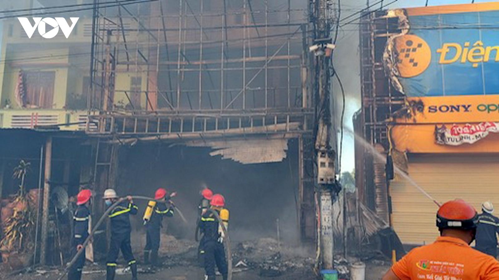Cháy cửa hàng điện máy, toàn bộ tài sản bị thiêu rụi