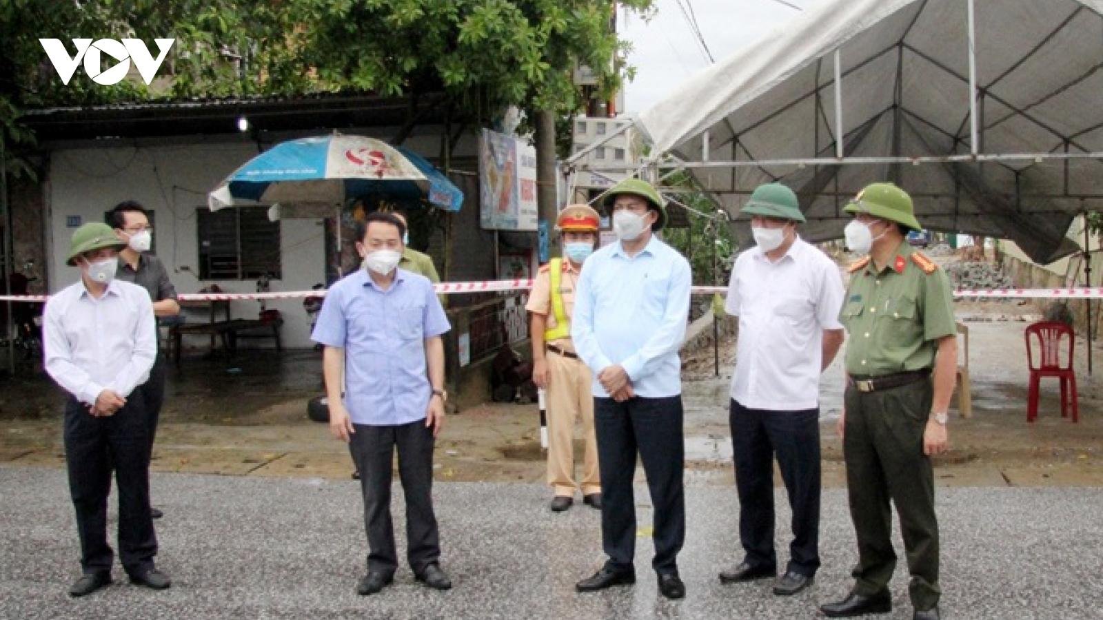 5 người trong 1 gia đình ở Hà Tĩnh mắc Covid-19 đều liên quan bãi tắm Xuân Hải