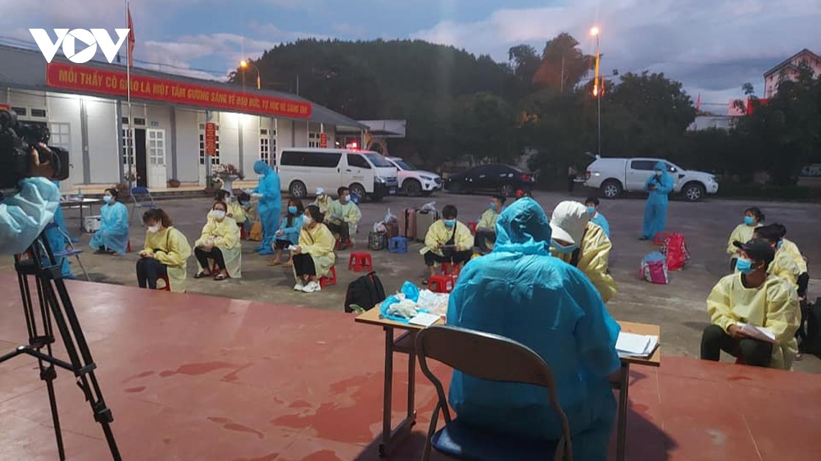 Sơn La tiếp tục đón hơn 500 công dân từ Bắc Giang trở về