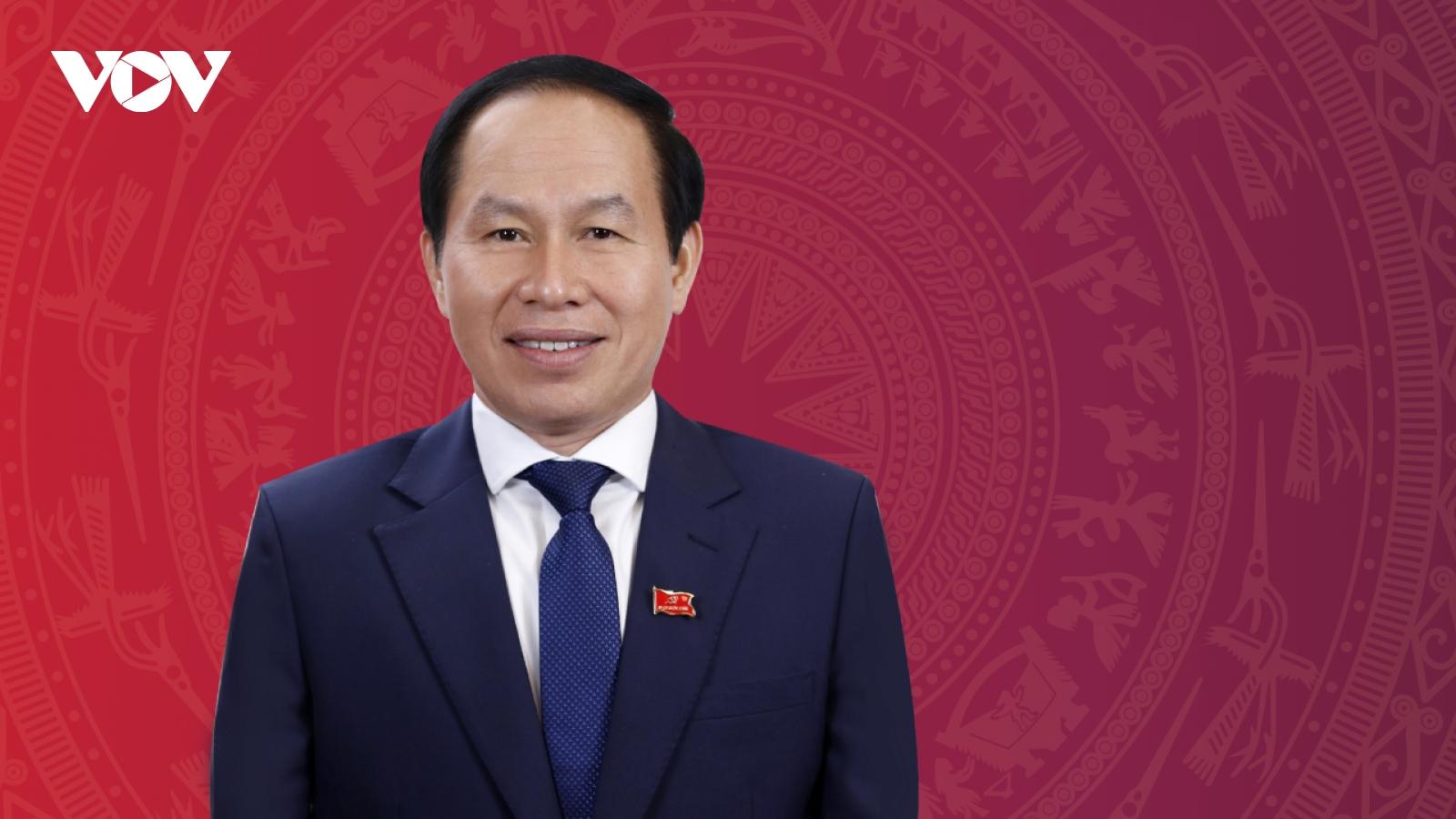 Chân dung Phó Chủ tịch kiêm Tổng thư ký Ủy ban Trung ương MTTQ Việt Nam