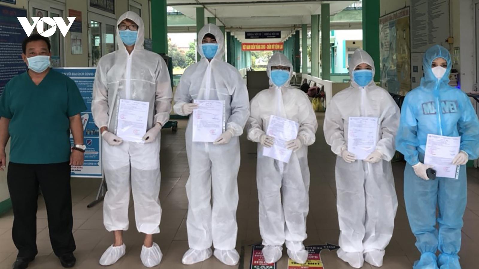 Bệnh viện Phổi Đà Nẵng công bố 5 người khỏi Covid-19