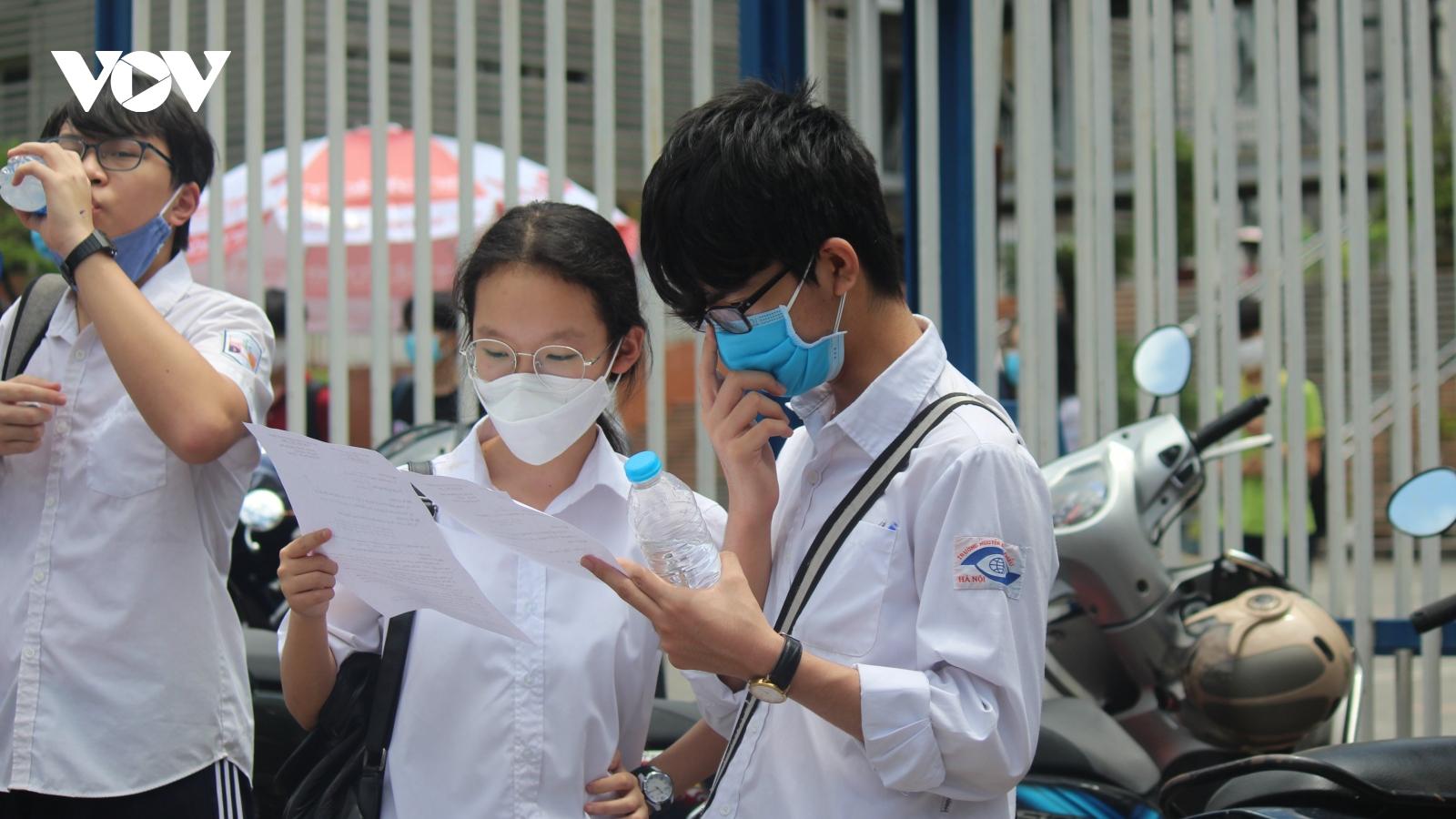 Đề Toán vào lớp 10 trường chuyên của Hà Nội: Đa số thí sinh sẽ chỉ đạt từ 5-6 điểm
