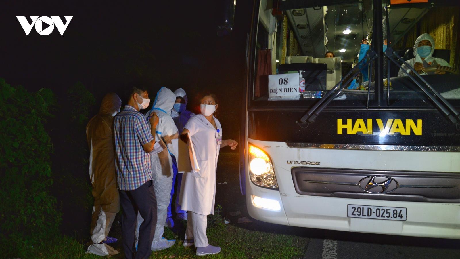 Điện Biên đón thêm 390 công dân đợt 2 trở về từ tâm dịch Bắc Giang