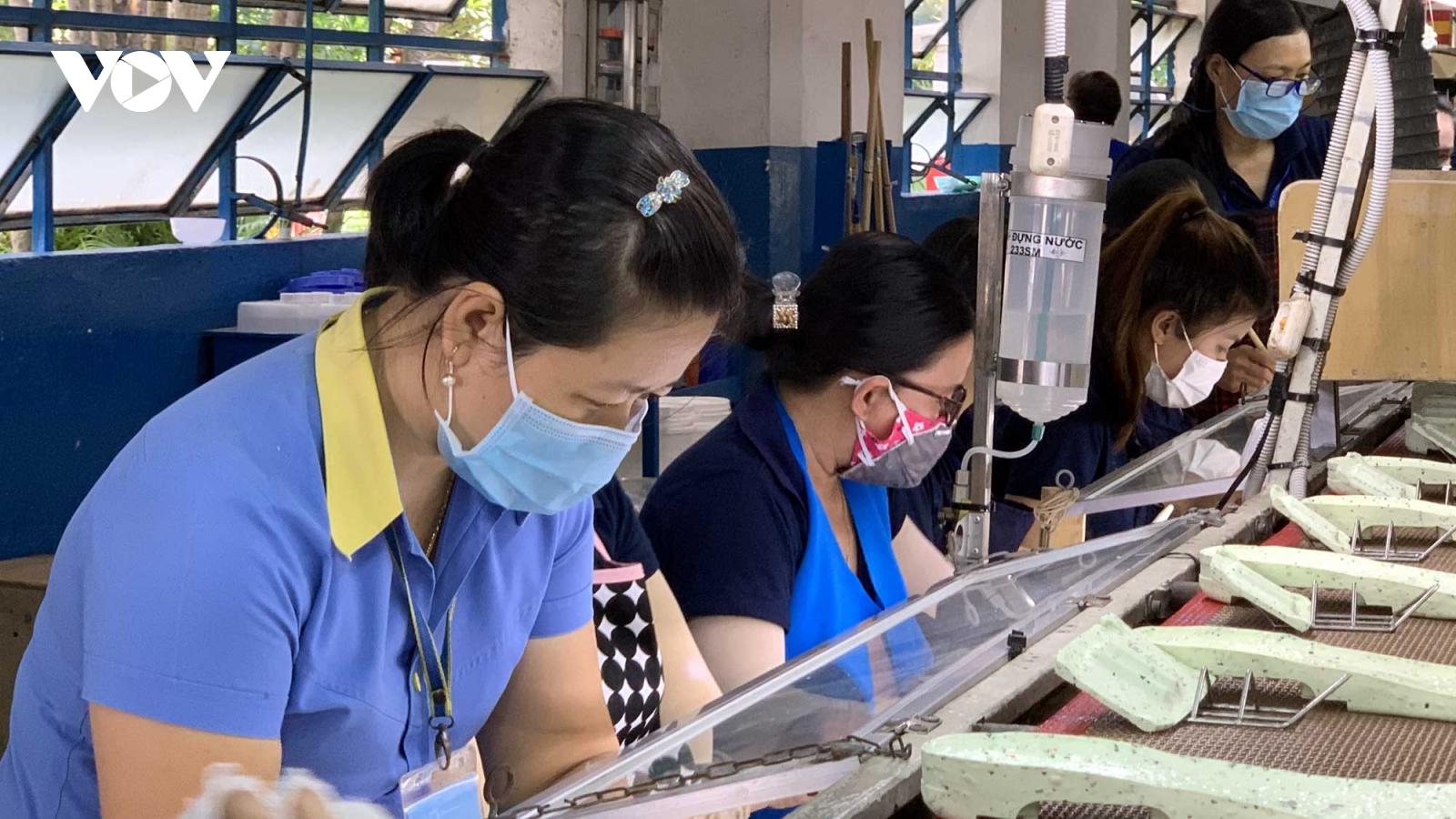 Doanh nghiệp vùng dịch gặpkhókhi bố trí chỗ ở cho người lao động