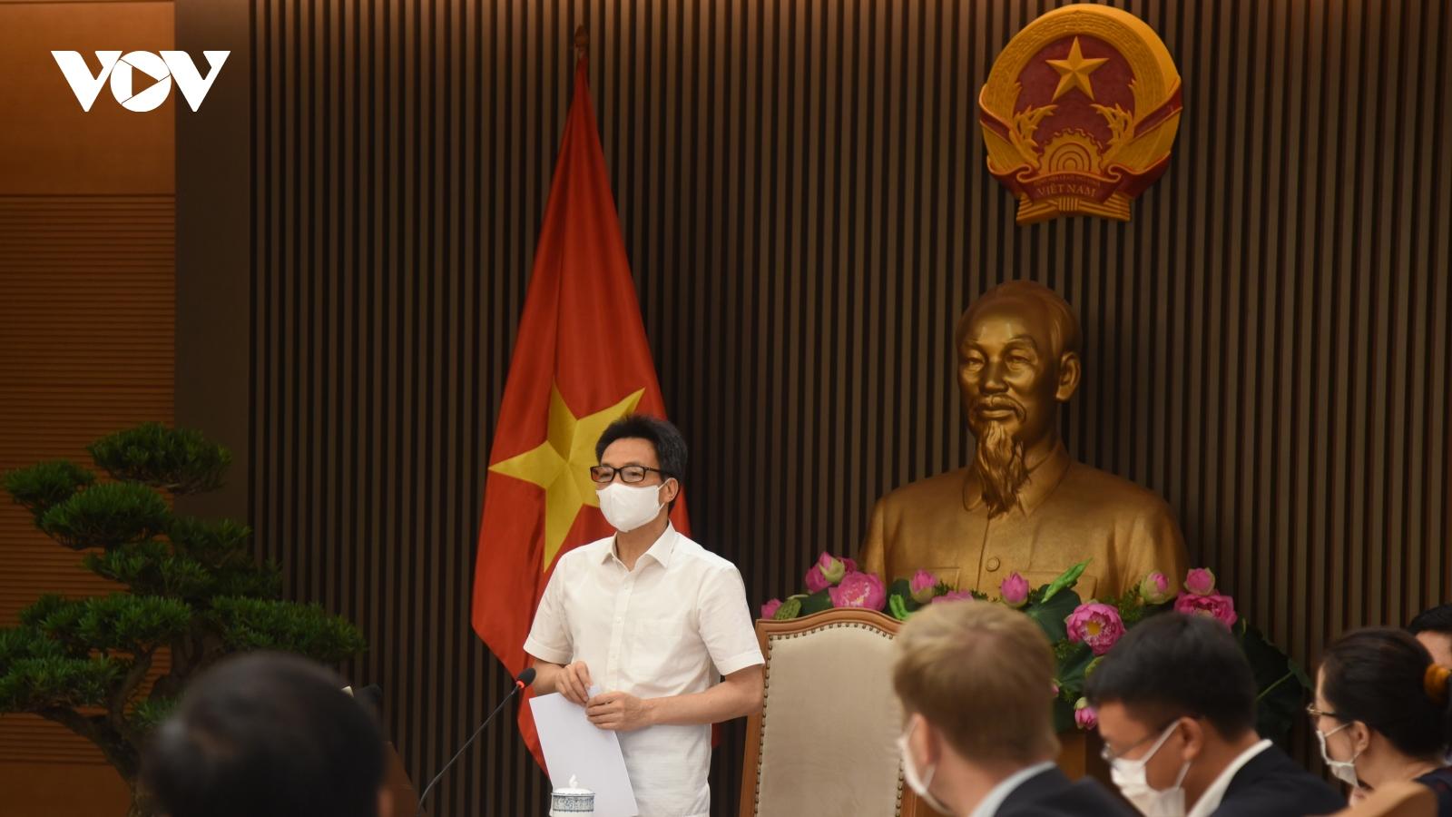 """""""Vaccine COVID-19 về Việt Nam chưa nhiều do nguồn cung khan hiếm"""""""