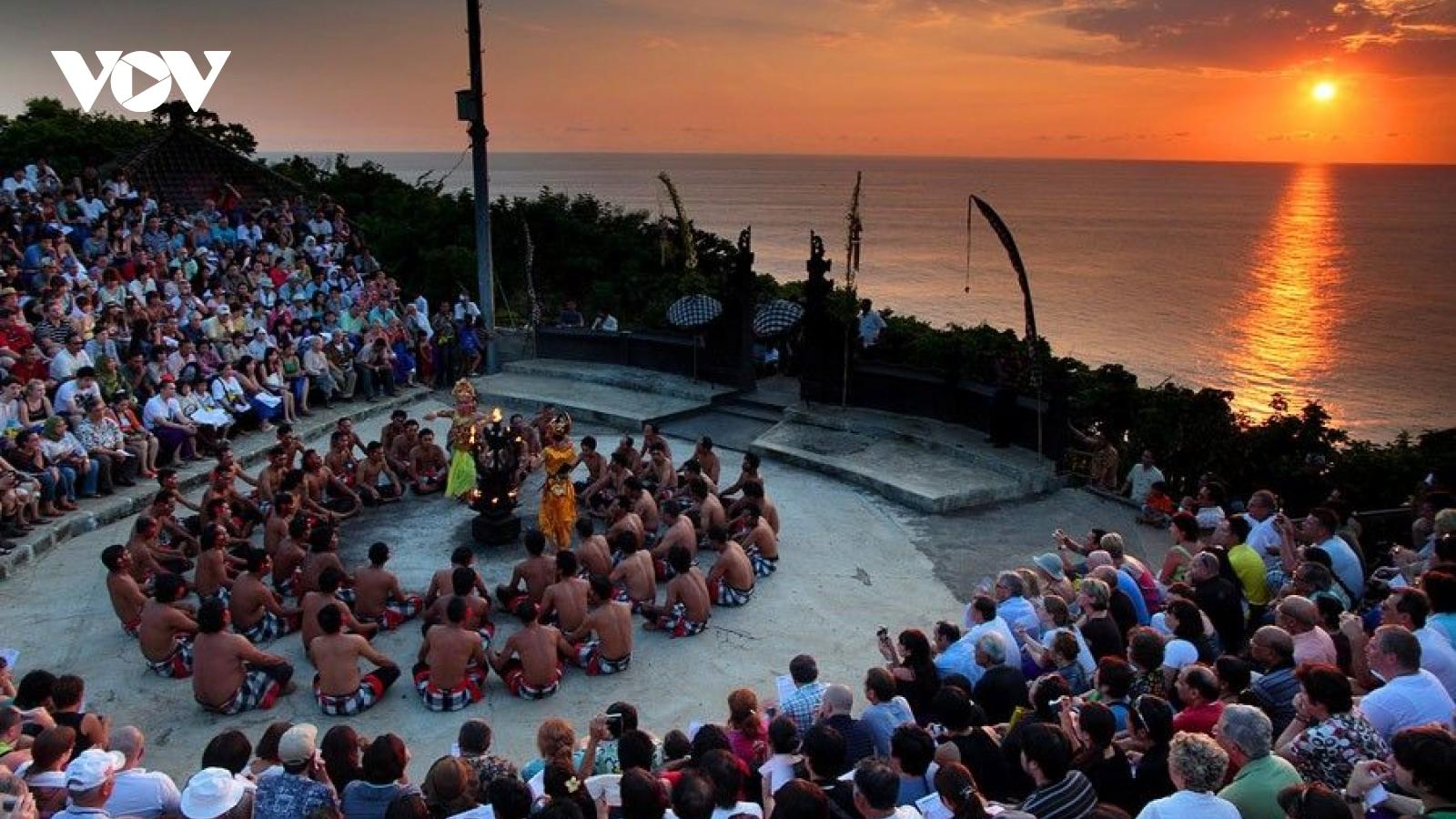 Kecak - vũ điệu lửa độc đáo dưới ánh hoàng hôn đảo Bali
