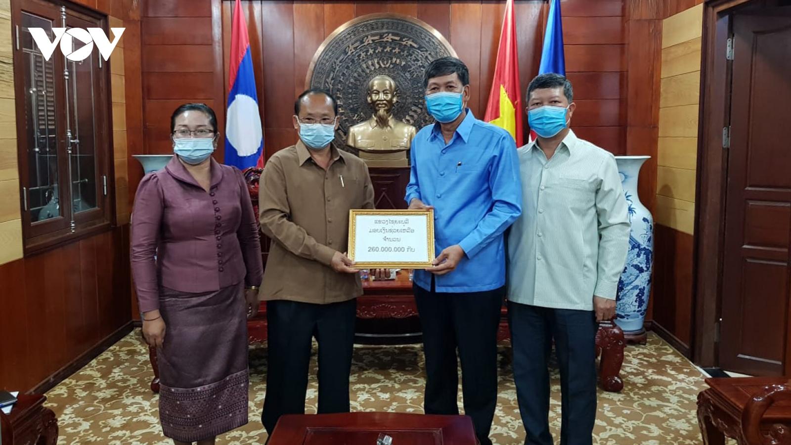 Lào ủng hộ các tỉnh miền bắc Việt Nam chống dịch