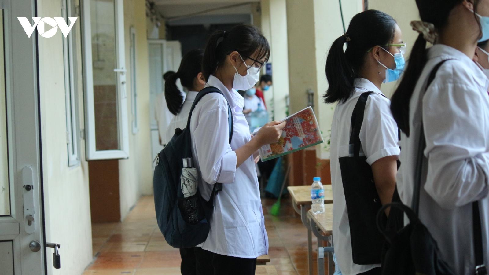Đề thi tiếng Anh vào lớp 10 tại Hà Nội