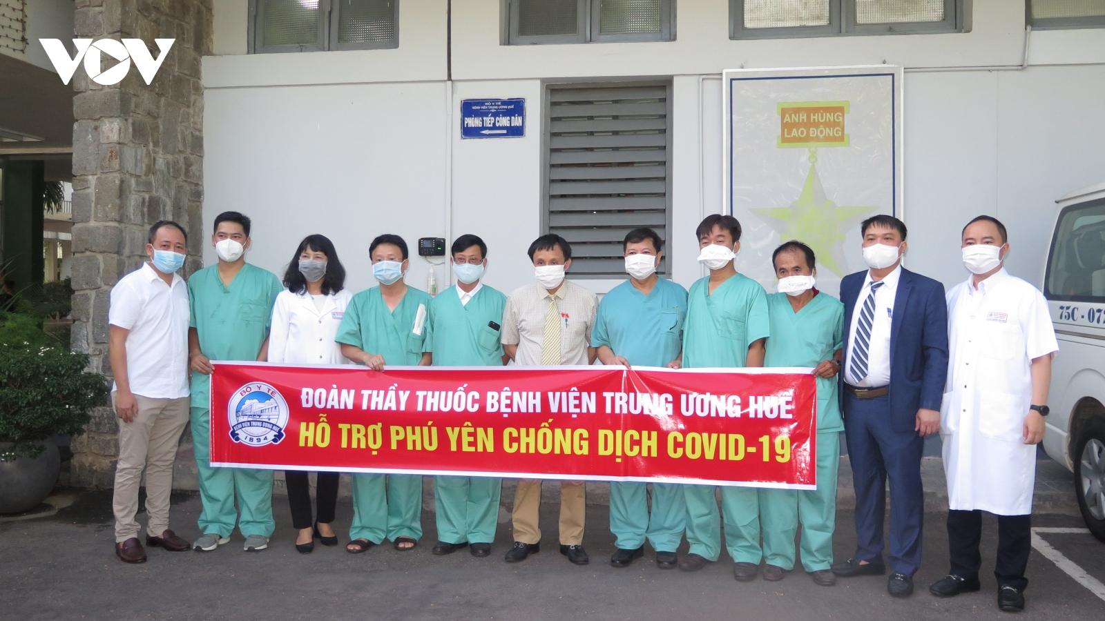 Các bác sĩ Bệnh viện Trung ương Huế vào Phú Yên hỗ trợ chống dịch Covid-19
