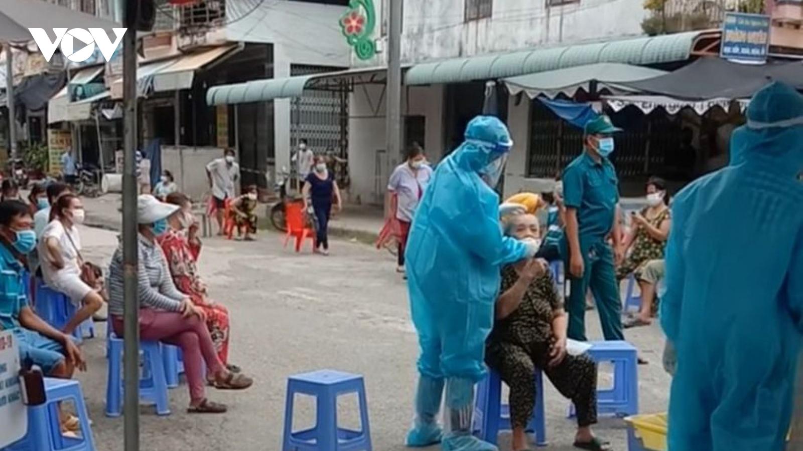 Thêm 5 ca nghi nhiễm Covid-19 là nhân viên cao tốc Trung Lương-Mỹ Thuận