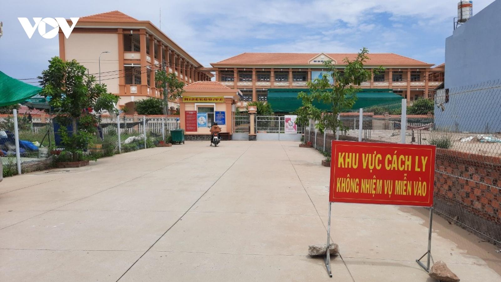 Phong tỏa khẩn cấp một xã ở Tiền Giang có 13 ca nghi nhiễm SARS-CoV-2