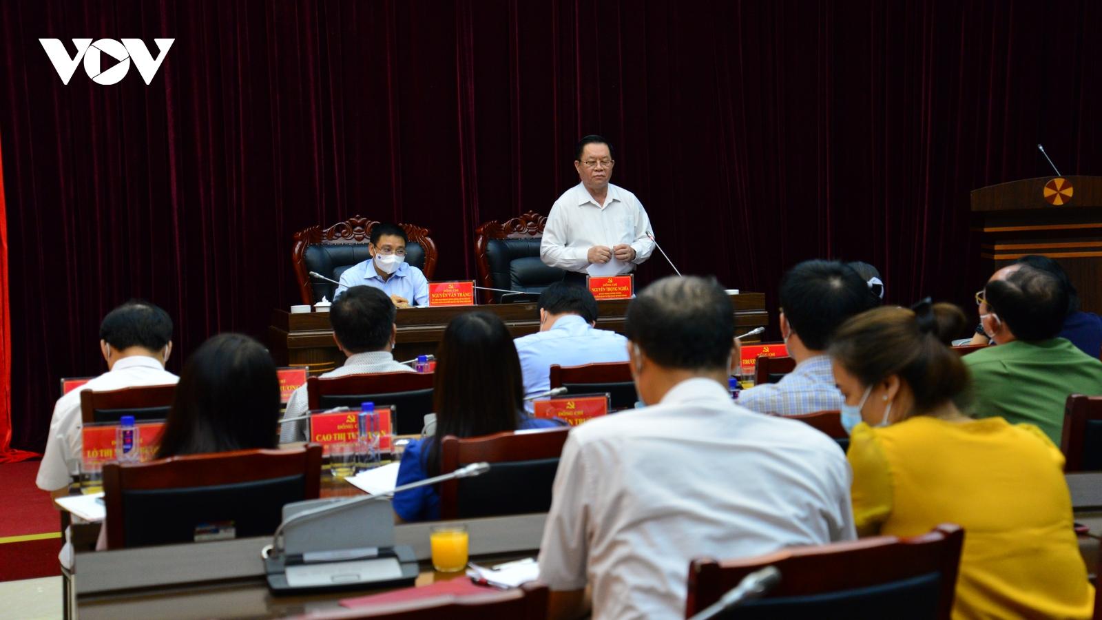 Trưởng Ban Tuyên giáo Trung ươnglàm việc với lãnh đạo chủ chốt tỉnh Điện Biên