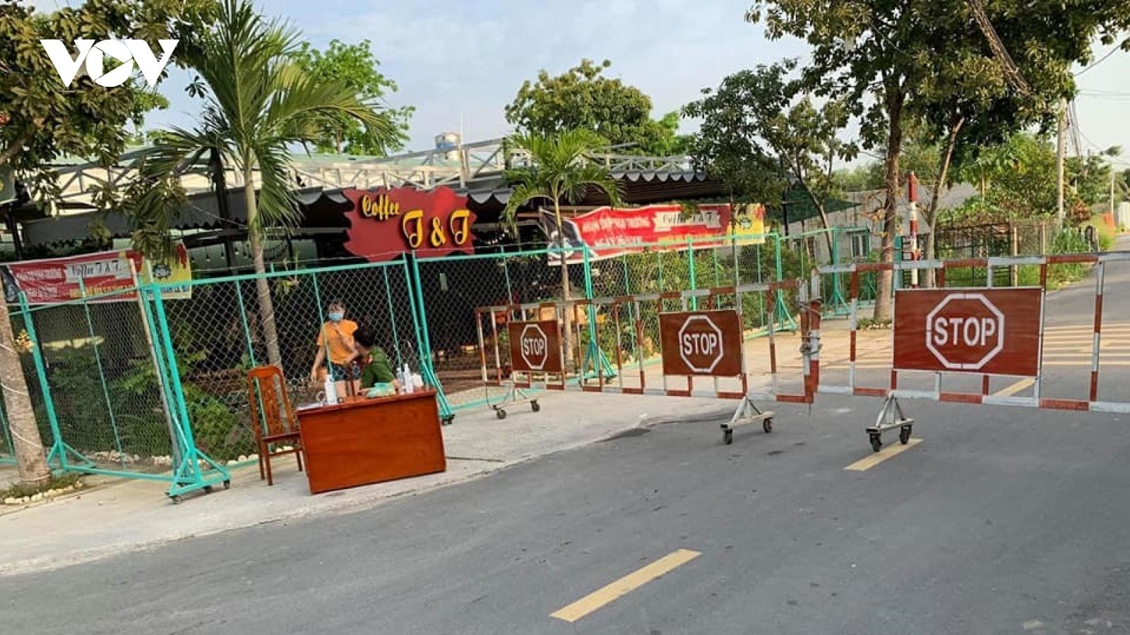 Phong tỏa nhiều nơi ở Long Khánh, Đồng Nai vì ca nghi mắc Covid-19