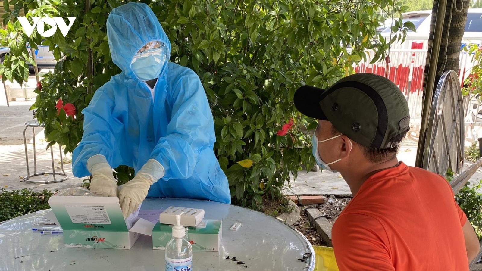 Thêm 1 ca dương tính với SARS-CoV-2, Bình Định phong tỏa 2 phường