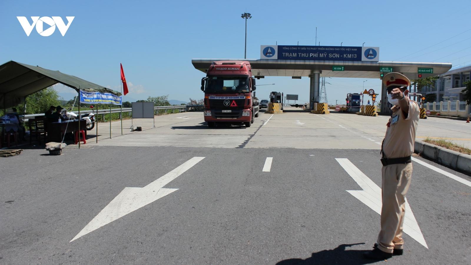 Lái xe chở hàng từ vùng dịch vào Quảng Nam phải có xét nghiệm âm tính SARS-CoV-2